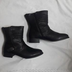 BNWT Torrid 12W Boots